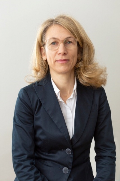 Dr. Claudia Sorg-Barth